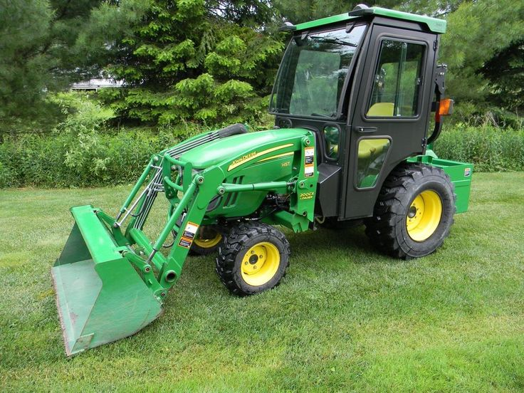 John Deere 2520 Tractor w/attachments, MINT, only 49 hours!