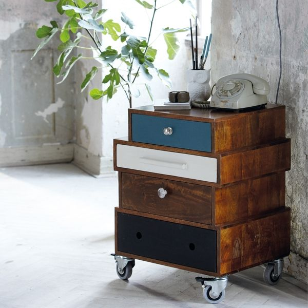mismatched drawers & pulls: Dressers Drawers, Side Table, Old Drawers, Wooden Side, Mismatched Drawers, Bedside Tables, Night Stands, Houses Doctors, Housedoctor