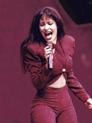 Selena Quintanilla. I love her. one of my favorite looks