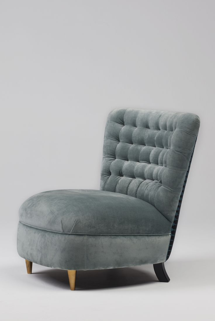 Terni | | Velvet and brass feet   #mapswonders #lighting #furniture #interiordesigner #vintage #luxurydesign
