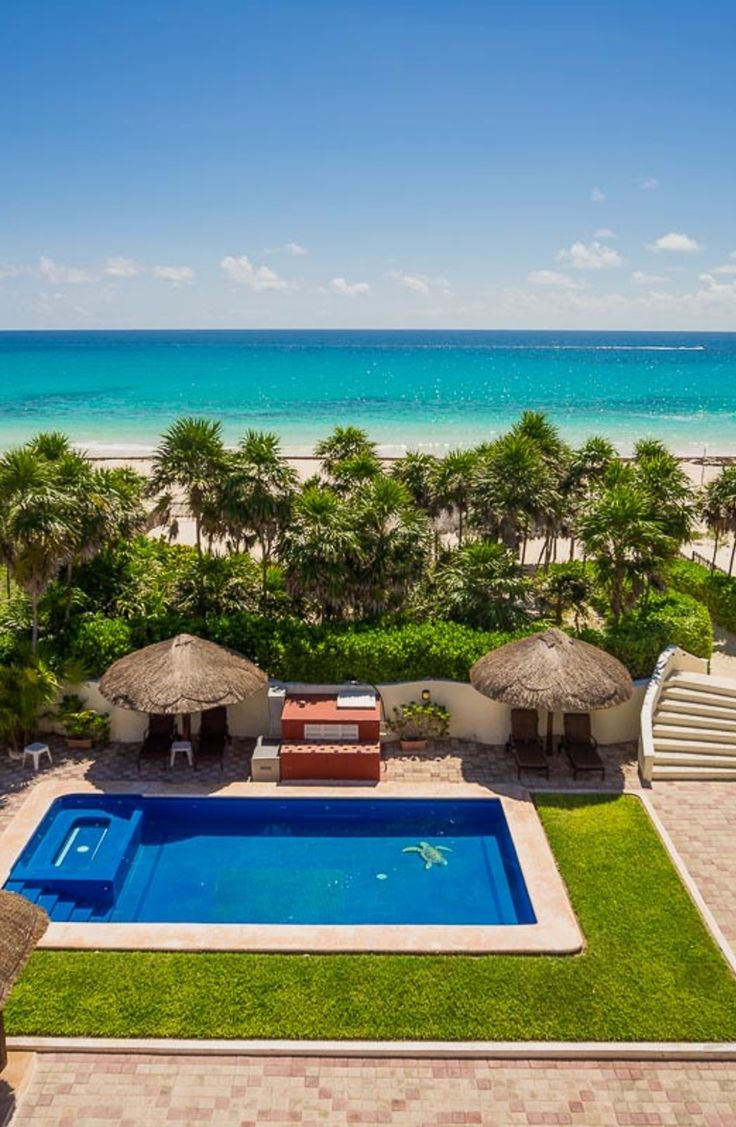 Sol Y Luna | Mexico, Private Pool, Jacuzzi, Sea view, 20 Persons  Villa Sol y Luna is an oceanfront Villa with a private pool and with built-in Jacuzzi conveniently settled half an hour drive away from the Cancun Airport. #villarental #luxury #luxuryvillas #luxuryvillarental #ferienhaus #ferienvilla #luxusvillen #casaliotravel