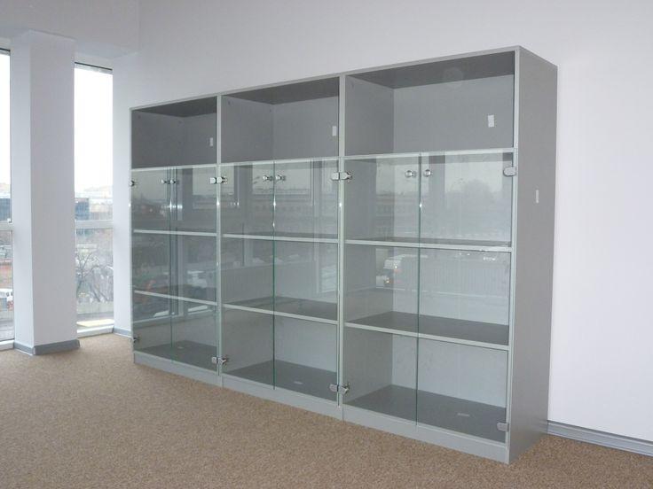 Шкафы для документов со стеклом.