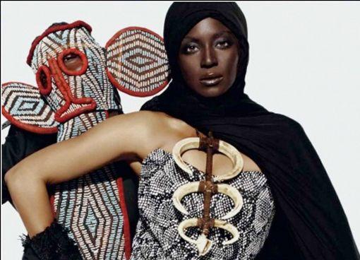 Beyoncé Poseert voor het tijdschrift L'Officiel. Ze hebben haar volledig in Afrikaanse kledij, sieraden en make-up gestoken.