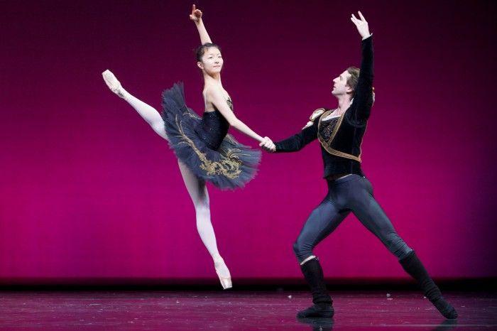 Yuhui Choe & Nehemiah Kish in Black Swan Pas de Deux