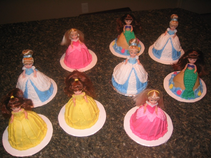 85 best images about Cakes - Princess, tiaras, Castles on ...