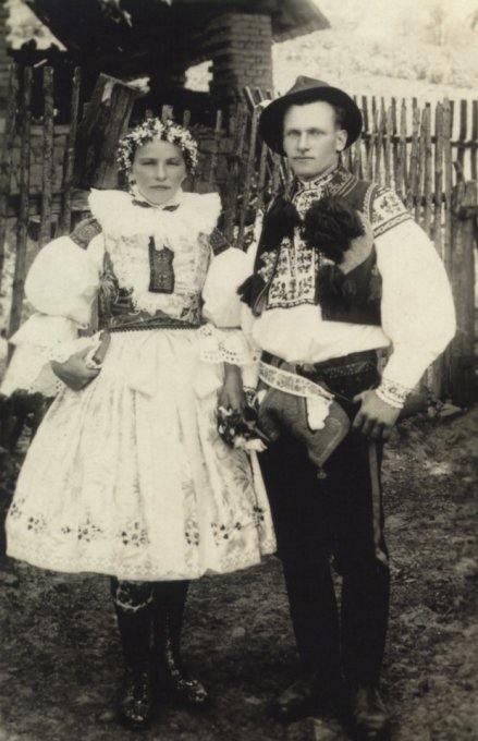 hradčovského kroje 1930