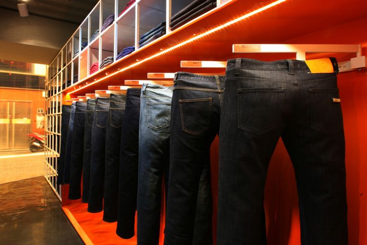 PLAC JEANS FLASHIP STORE / URBANTAINER / SEOUL, SOUTH KOREA