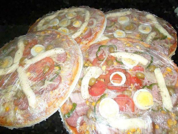 Receita facil de pizza congelada!!!  :)