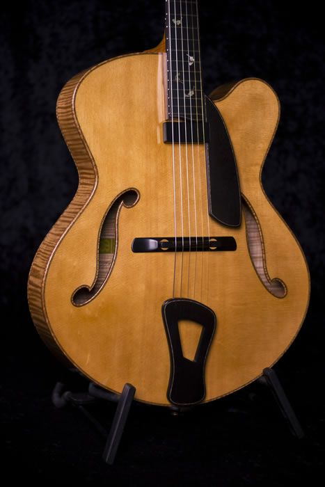 """The Cremona 17"""" archtop guitar by luthier Tom Bills"""