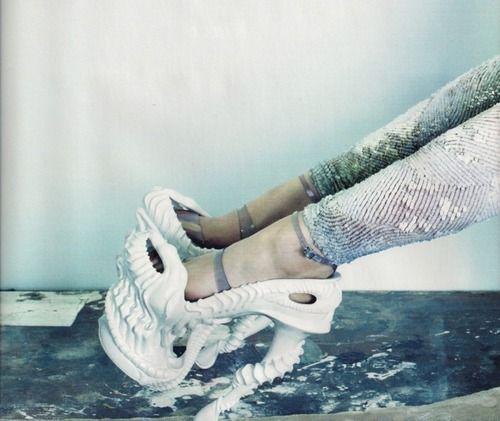 Skull bone high heeled shoes