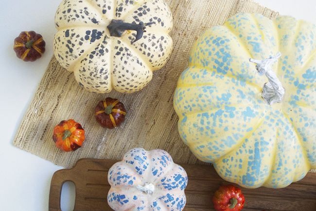 Cómo hacer unas divertidas calabazas pintadas para Halloween  #diy #halloween #handmade