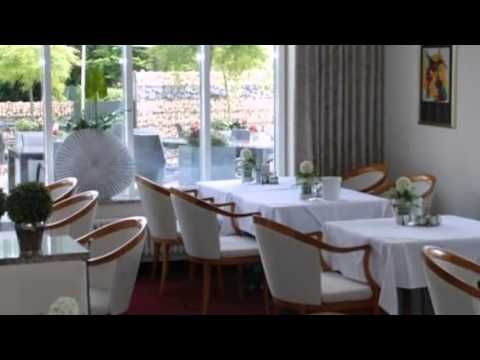 Hotel Ostseeresidenz Cammann Grömitz - Gromitz - Visit http://germanhotelstv.com/ostseeresidenz-cammann Located just a 5-minute walk from the Baltic Coast Hotel Ostseeresidenz Cammann offers bright rooms in the peaceful seaside town of Grömitz. Guests are offered free WiFi and free parking on site. -http://youtu.be/QybBIo-8pZg