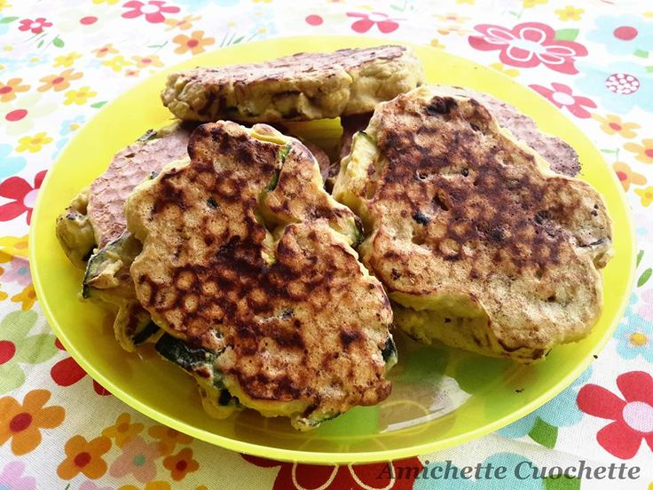 Frittelle ( non fritte ) di piselli e zucchine