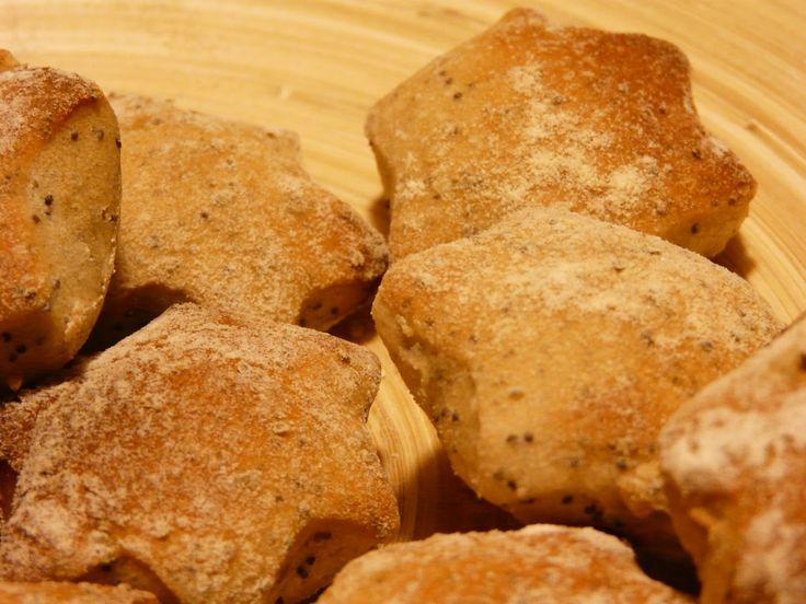 Profumo di broccoli: Stelline di pane con semi di papavero e semi di gi...