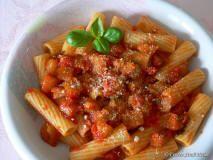 Patrimonio Enogastronomico siciliano: Maccheroni alle melanzane Una ricetta semplice semplice scopritela sul nostro portale. http://www.lasiciliainrete.it/