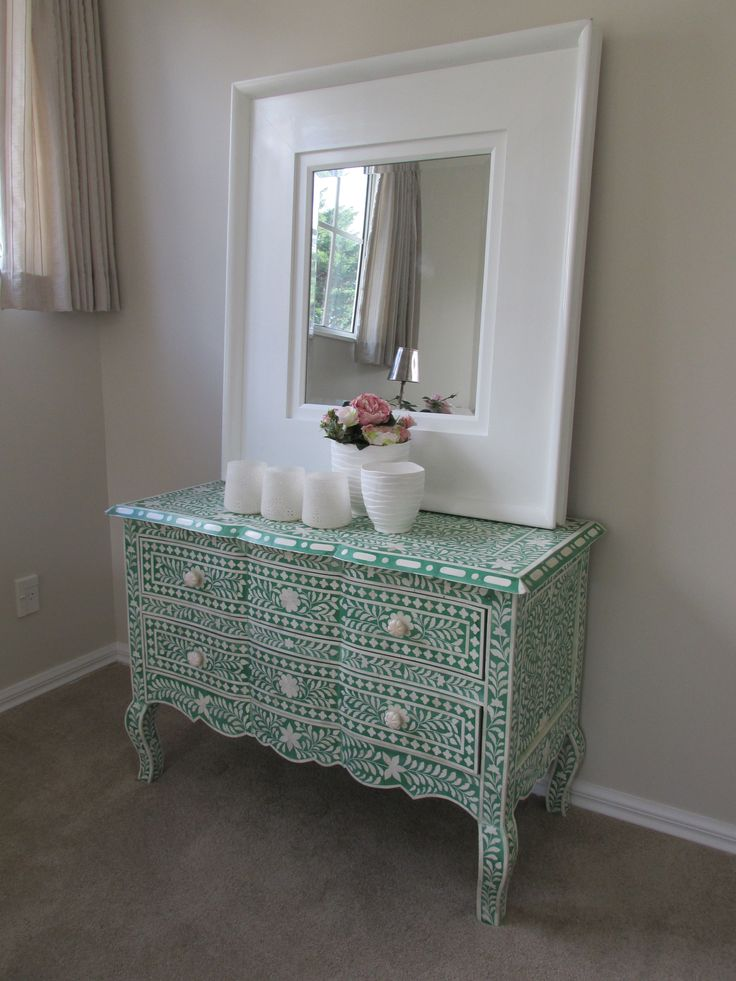 Make a bold statment. Staging by DMI Homestagers