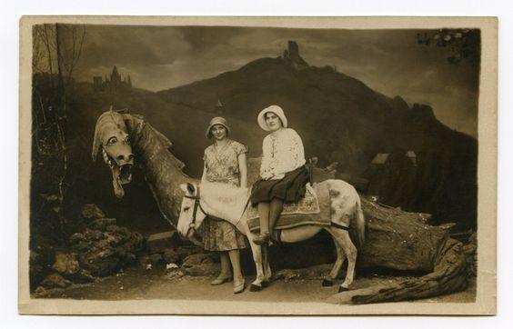 photo ancienne decors 15 900x578 Des photos anciennes dans des décors #2  photographie histoire: