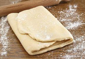 Un metodo abbastanza semplice per preparate a casa propria la Pasta sfoglia. La ricetta è di Ernst Knam. Avrete un sacco di soddisfazioni nel realizzarla.