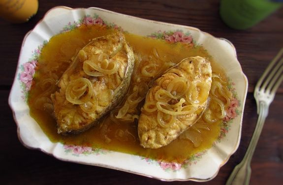 If you like fish and want to prepare a simple and tasty recipe you have to try this stewed grouper recipe! Serve with boiled potatoes or white rice...