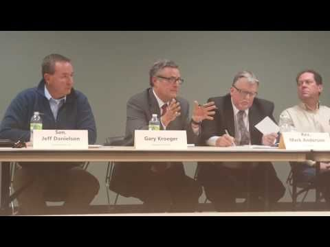Candidates in Iowa Discuss Anti-Bullying Laws With Regards to Atheists - VIDEO - http://holesinthefoam.us/candidates-in-iowa-discuss-anti-bullying-laws-with-regards-to-atheists/