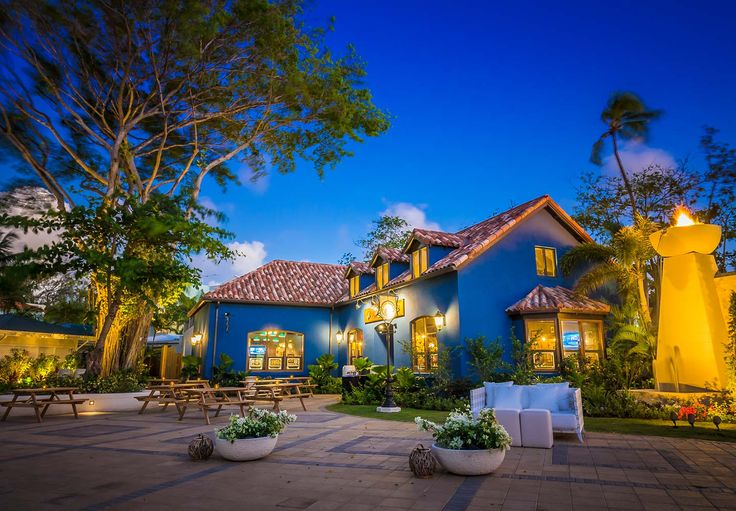 Sandals Barbados Christ Church, Barbados (Karibik) Das neu eröffnete Sandals Barbados verfügt über 280 luxuriöse Zimmer, angefangen von Suiten in direkter Strandlage über exquisite Zimmer inmitten tropischer Gärten.