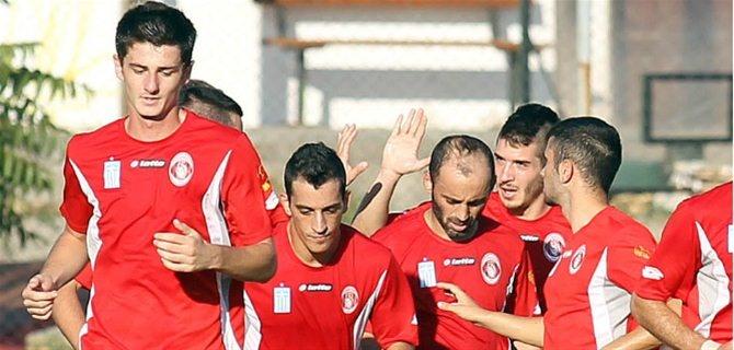 """Πεντάρα Απόλλωνα στα Γρεβενά   FOOTBALL 2   Εντυπωσιακός για ένα ακόμη φιλικό παιχνίδι ο Απόλλων Καλαμαριάς, επικράτησε με 5-0 του Πυρσού σε φιλικό ματς στα Γρεβενά.  Ο Παντελιάδης άνοιξε το σκορ με σουτ στο 7', ο Λεπτοκαρίδης στο 21' το 0-2, ενώ ο ίδιος παίκτης με εύστοχο χτύπημα πέναλτι έκανε το 0-3 στο 41'. Οι """"κοκκινόμαυροι"""" έβαλαν ακόμη δύο γκολ στο δεύτερο μέρος, με τους Πιτσίκο (54') και Κράββαρη (87')."""