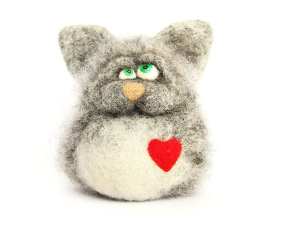 Needle Felted Toy - Cat lover. Gift under 50. gift for couple. Felt Toys. Winter. Gray. Red heart