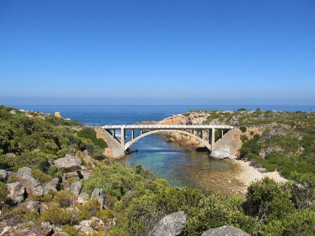 The Crystal Pools Hike in Gordons Bay makes for a great day out. Helderberg Nature reserve