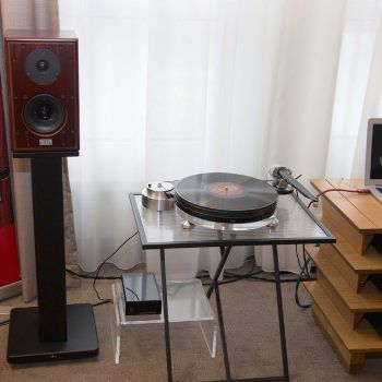 """Small set up with great sound (""""- Where is the subwoofer hidden?"""") Northern Germany HiFi Show 2017 as reported by Bernd Homke from Input Audio.  """"This question was regularly asked, because the small Harbeth P3 produced a sound volume, so that you usually do not trust loudspeakers that are so small. However, the small Harbeth P3 works  for a small space, such as the hotel room at the Show. The StarterPro turntable  was used with the Nagaoka MP-500 pickup mounted in The Wand tonearm."""