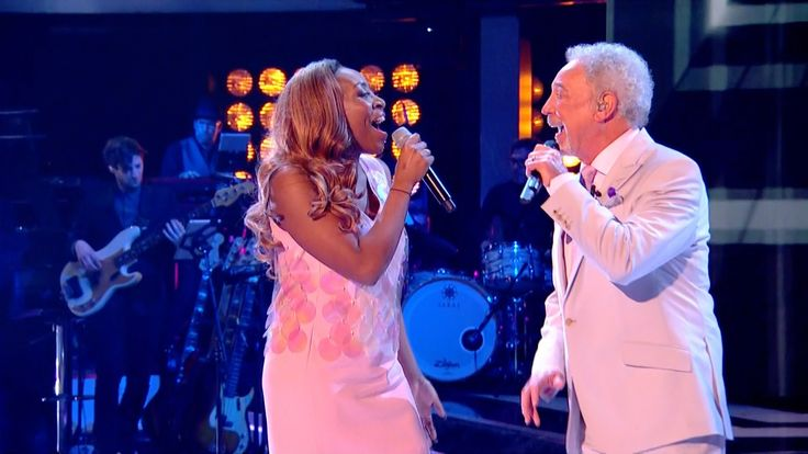 Sir Tom Jones & Sasha Simone perform River Deep Mountain High - The Voic...
