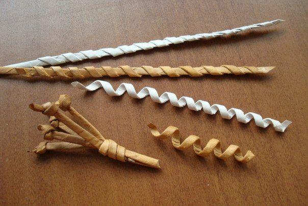 Пестики-тычинки Чтобы трубочка-соломка была пластичной, полоску бумаги берём шириной в 6 см, спица 2,5. Трубочку расплющить и смочить влажной губкой.