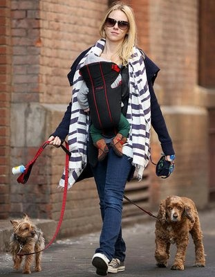 Photo of Naomi Watts & her Dog