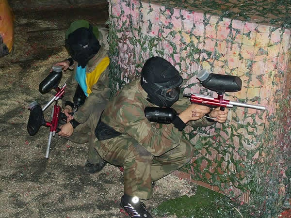 Unforgettable Paintball bachelor game just for you and your friends. Fantasic offer includes protective clothing, mask, 100 paintballs and several games