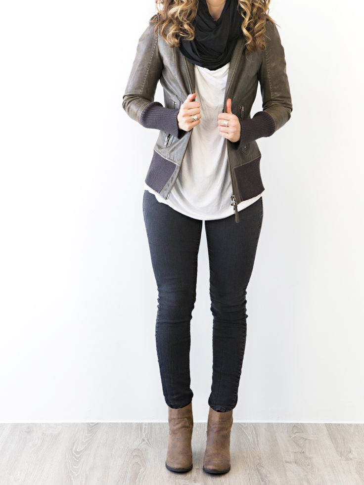 comfortable but cool airport style: infinity scarf, stretchy jeans, booties, leather jacket travel street style