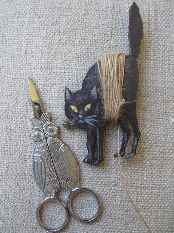 Night Owl Embroidery Scissors and Spooky Cat Thread Winder