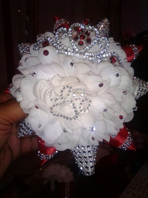 Blinged out homecoming mum!!