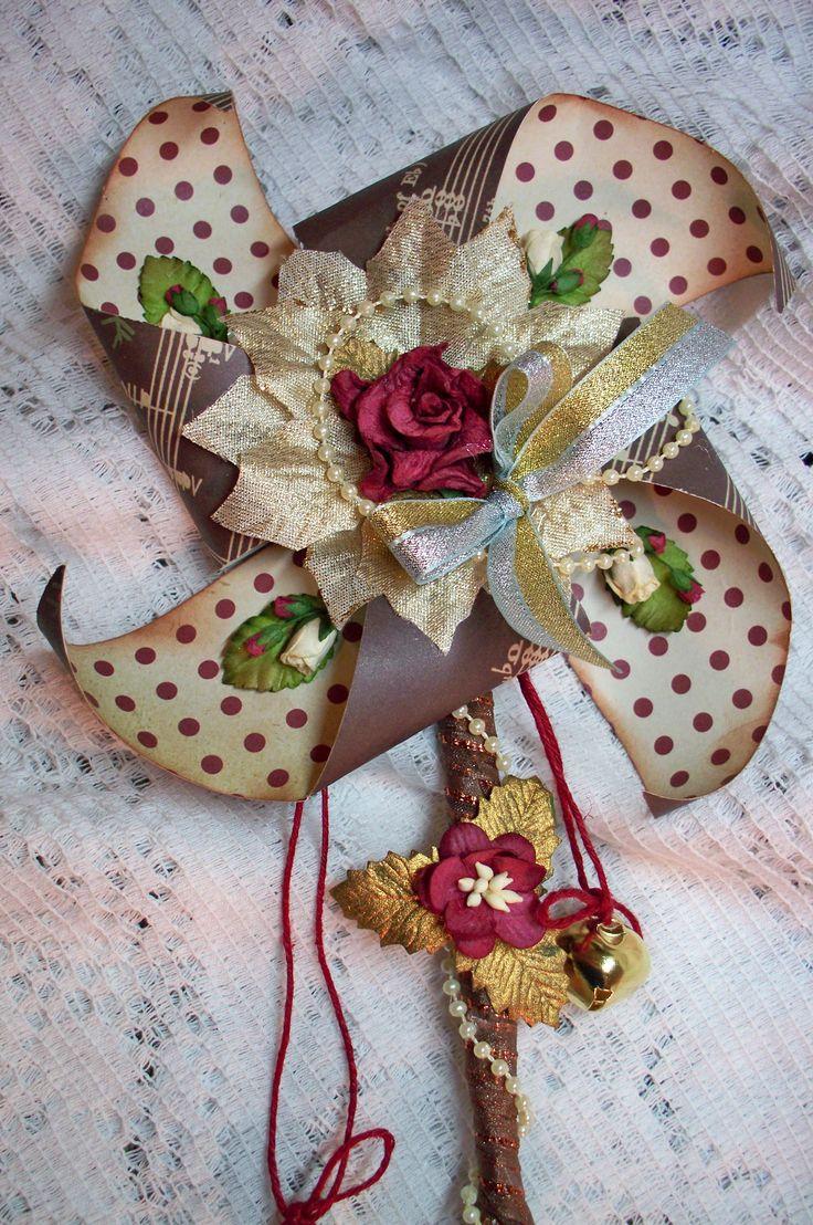 Christmas Pinwheel Close up - Scrapbook.com