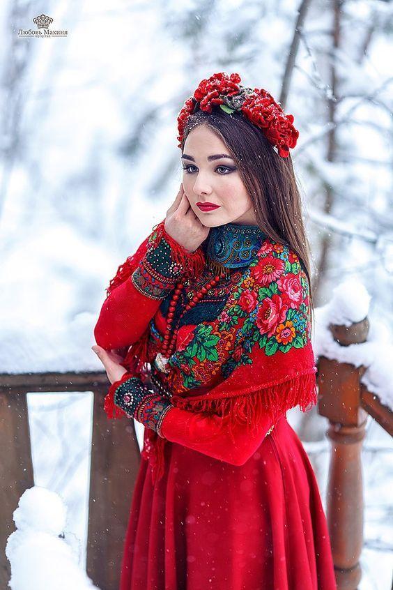 Фотосессия в русском народном стиле зимой