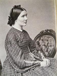 Elegant Lady~Beautiful Hoop Dress~Nice Pose~Civil War Era CDV Photo~Lebanon