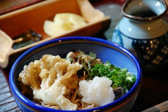 花郷庵 舞茸と山菜、大根おろしのぶっかけ蕎麦―南小国の食べ物―