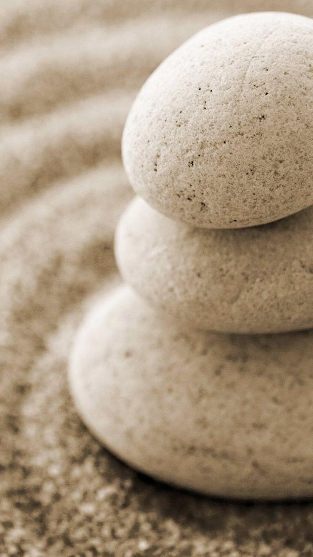 Overlap Pebble On Beach Sand #iPhone #5s #Wallpaper