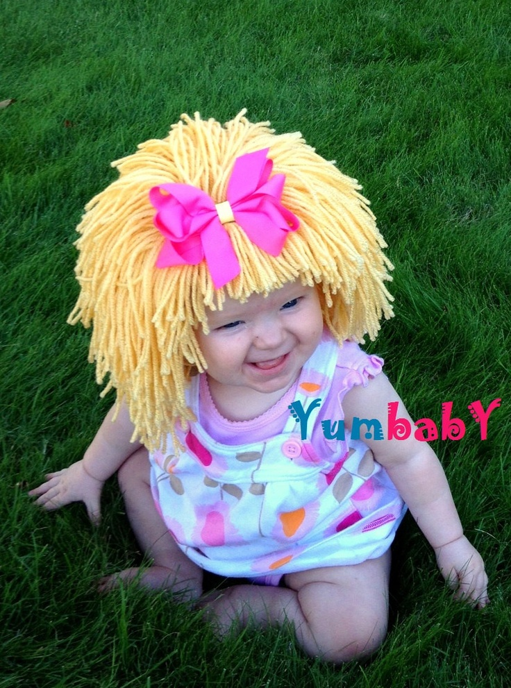 amelie would make a cute cabbage patch kid...i wonder if she would keep the hat on??