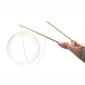Laatste schooldagen - Waterspelletjes: met dit recept maak je fantastische zeepbellen.