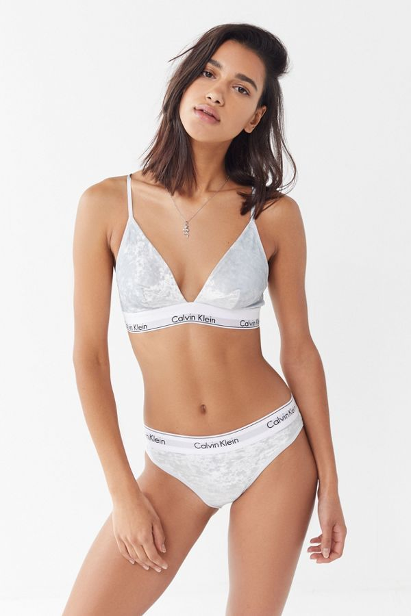 1b1e0ece4 Calvin Klein UO Exclusive Modern Velvet Triangle Bra in 2019 ...