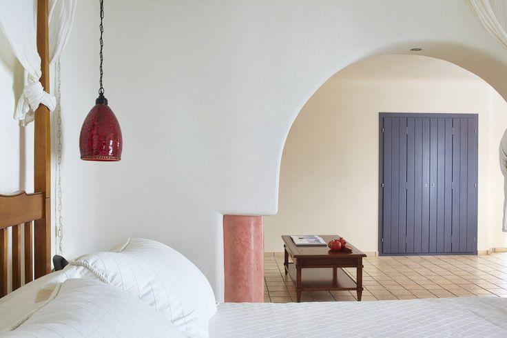 Charming-Hotel-Bedroom-Dome-Oriental-Wood-Santorini-Island-Greece