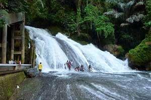 """Jual Tiket Pesawat: Taman Nasional Bantimurung Makassar Indonesia  Taman Nasional Bantimurung adalah cagar alam dengan luas 480 km2 hanya 45 km sebelah utara Kota Makassar / Kota Ujung Pandang. Nama Bantimurung adalah merupakan kombinasi dari kalimat """"membanting kemurungan"""", yang maksudnya adalah mari bergembira ria di Taman Nasional ini. - See more at: http://tiketpesawatklaten.blogspot.com/2014/06/taman-nasional-bantimurung-makassar.html#sthash.4dSaeii3.dpuf"""