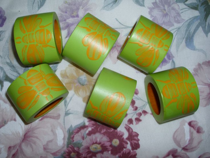 Napkin Rings - Six Napkin Rings - Napkin Holders - Vintage Napkin Rings - Wood Napkin Rings - Green Napkin Rings - Bee Napkin Ring by RomanticHandmade on Etsy
