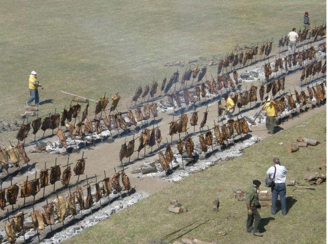 Argentinian barbecue. #Gaucho asado. Asado mas grande del mundo argentino 2011.