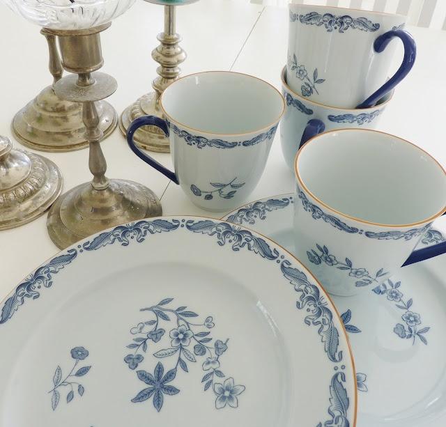 Ostindia, lovely Swedish Porcelain.