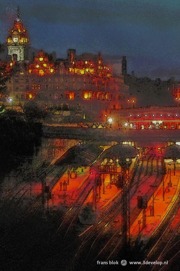Nachtimpressie van Edinburgh, Schotland: het centraal station en het Balmoral Hotel, gezien van The Mound. - Night impression of Edinburgh, Scotland, with the central station and the Balmoral Hotel, as seen from The Mound.